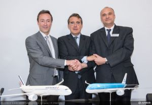 AFR_KLM_announcement_Bourget_2013