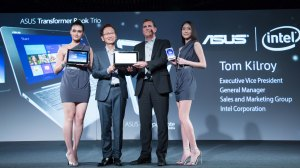 asus_chairman_jonney_shih_with__intel_executive_vice_president_tom_kilroy