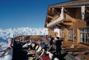 Sun skiing Austria