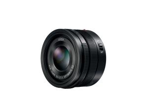15mm-F1.7 ASPH lens (H-X015) Black front slant
