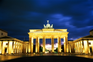 Berlin: Brandenburger Tor abends