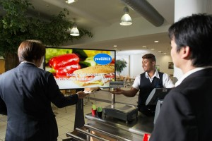 PN-Y555_foodhall